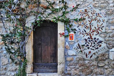 LeBroc_Decorated_door_HDR2620
