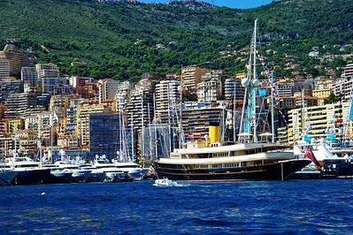 Monaco_Black-hull_yacht_D3S6990