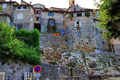 Peillon_Village_wall_LAN2516