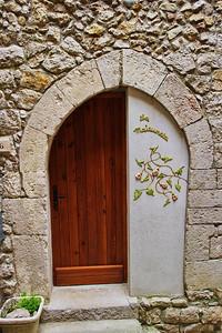 Peillon_half=door_Arch_LAN2537