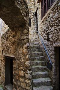 Peillon_Stairs-Up 2 door_LAN2536