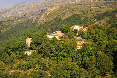 This is a small commune of 10 houses about 3 km from Greolieres.