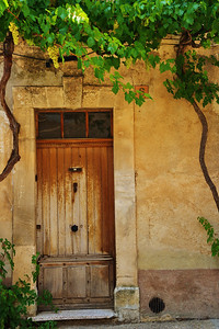 Saint_Saturnin_les_Apt_No6_Wood-door_LAN1544