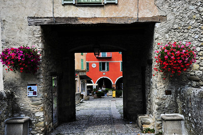 Sospel_city gate_HDR4062