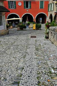 Sospel_cobblestone_street_HDR4066