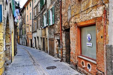 Sospel_narrow_street_HDR4072