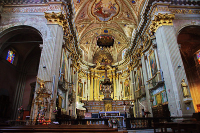 Sospel_Cathedral_interior_LAN4299
