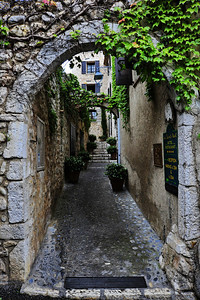 Arched_walkway_D3S3596