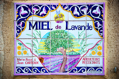 Several farms have their own lavender mills and still distill the oil from the flowers using steam.