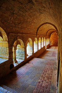 Thoronet Abbey, Cloister