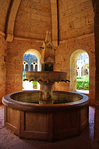 Wash fountain, Thoronet Abbey