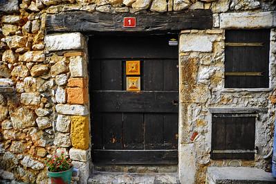 Tourrettes_French_door_No1_D3S3892
