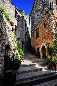 Tourrettes_steps_D3S3893