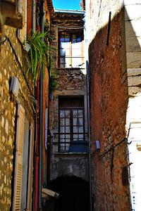 Tourrettes_windows_D3S3855