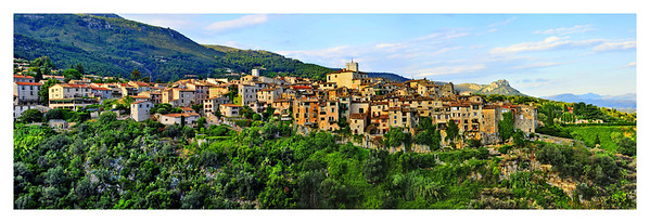 Tourrettes sur Loup (tur ret soo loo) in panoramic