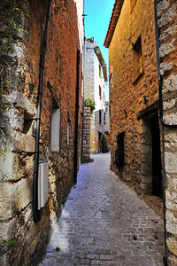Tourrettes_Street_D3S3851