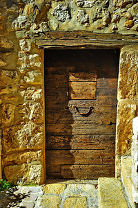 Tourrettes_French_door_old_D3S3876