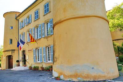 Tourtour chateau