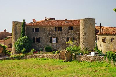 Tourtour's old chateau