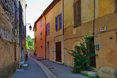 Tourtour street