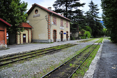 Train_des_Pignes_Station-house_Puget-Theniers_BIF4125