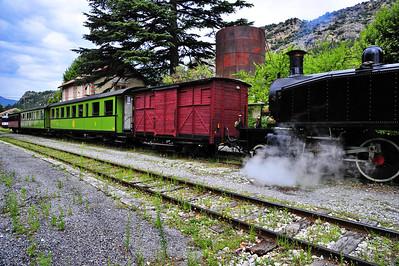 Train_des_Pignes_Loco_pushing_cars_BIF4278