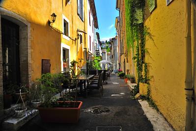 Valbonne_street_restaurant_HDR2980