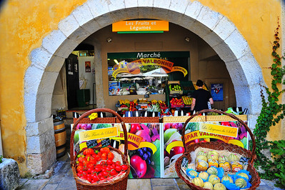 Valbonne_March_Spar_fruit-stand_HDR2972