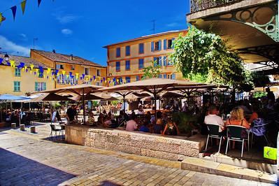 Valbonne_village_square_cafes_LAN2998