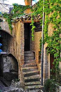 ville_de_Cagnes-sur-Mer_Doorway Steps_HDR3329