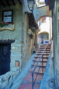 Cagnes_Medieval_Village_steps-up_LAN3349