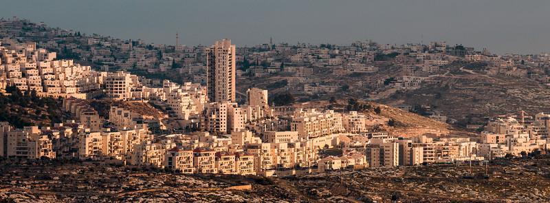 Asentamientos de Har Homa al amanecer