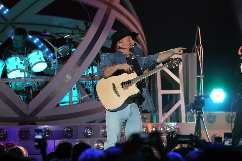 Garth Brooks at Prudential Center