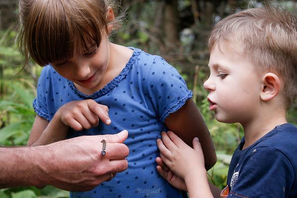 Dzieci i młody zaskroniec (Natrix natrix) ©Agata Katafiasz-Matysiak