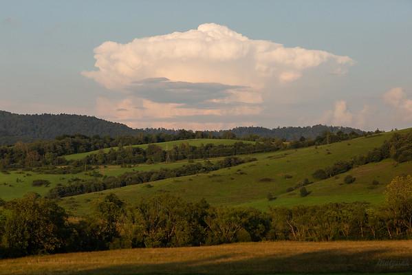 Chmura Cumulonimbus capillatus nad Otrytem 17.08.2018, Krywe, Bieszczady ©Mateusz Matysiak