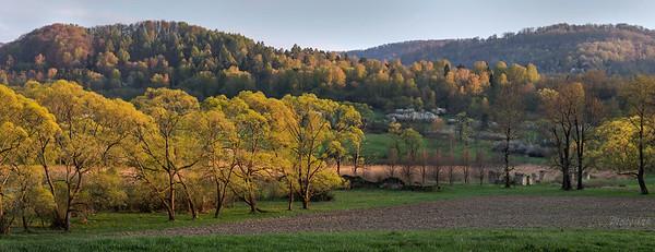 Wiosenna panorama Tworylnego