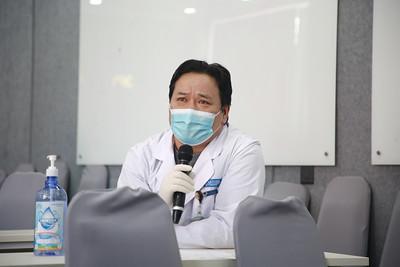 """2021 оны нэгдүгээр сарын 21. Эмч, эмнэлгийн ажилчид  """"Салбараа аваръя"""" хөдөлгөөнд нэгдсээр байна.  ГЭРЭЛ ЗУРГИЙГ Д.ЗАНДАНБАТ/MPA"""