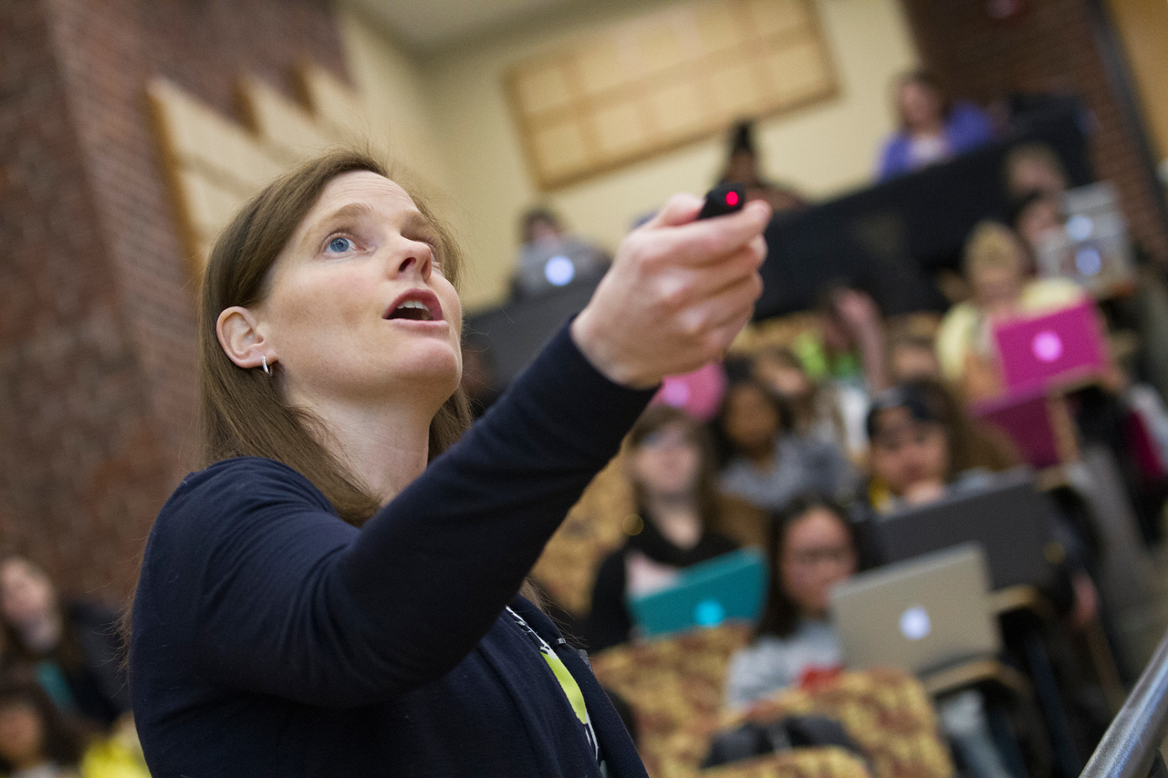 PSY_FAC_classroom_Michelle Voss_2015_3760