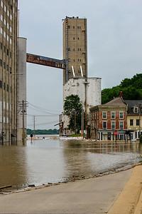 2013 06 04 61 Alton Riverfront Flood-EditAnd2more_tonemapped