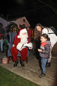 12-08-19-Christmas With Chris & Family-20