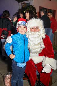 12-08-19-Christmas With Chris & Family-23