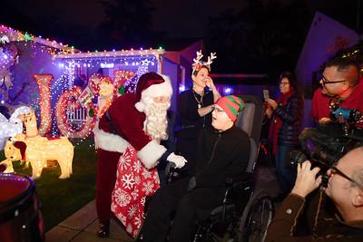 12-08-19-Christmas With Chris & Family-3