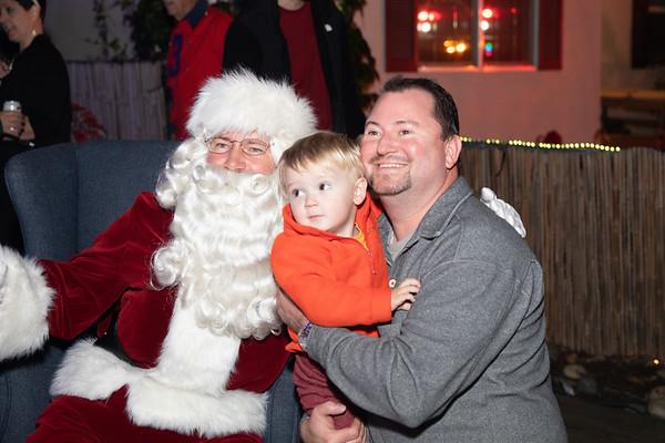 12-08-19-Christmas With Chris & Family-13