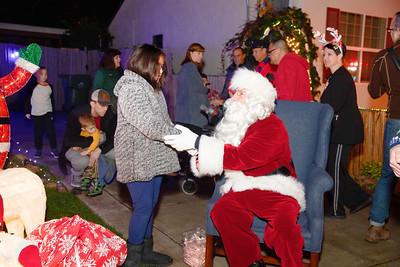 12-08-19-Christmas With Chris & Family-11