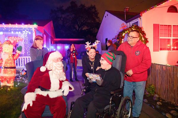 12-08-19-Christmas With Chris & Family-10