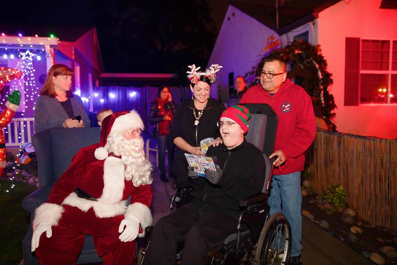 12-08-19-Christmas With Chris & Family-9