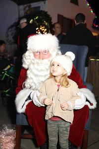 12-08-19-Christmas With Chris & Family-18