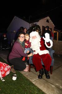 12-08-19-Christmas With Chris & Family-21