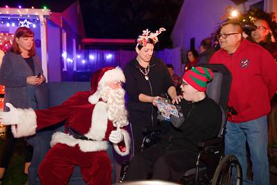 12-08-19-Christmas With Chris & Family-8