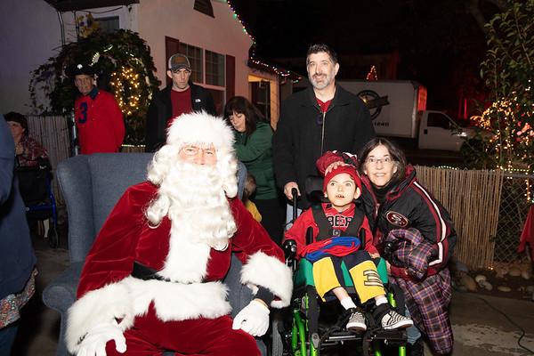 12-08-19-Christmas With Chris & Family-14